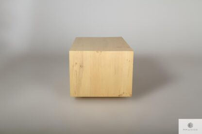 Originell Couchtisch aus Altholz ins Wohnzimmer IKSJA Möbelhersteller RaWood Premium Möbel