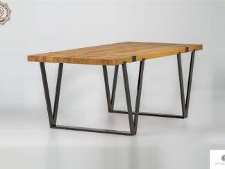 Industrieller Tisch aus Massiveichenholz auf Metallbeinen NERON finden Sie uns auf https://www.facebook.com/RaWoodpl/