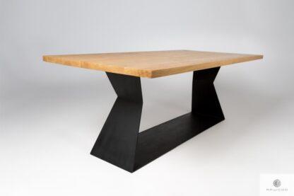Eichentisch auf schwarze Metallgestell ins Esszimmer PHARELL Möbelhersteller RaWood Premium Möbel