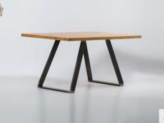 Tisch aus Massiveichenholz ins Esszimmer und Wohnzimmer CALLA finden Sie uns auf https://www.facebook.com/RaWoodpl/