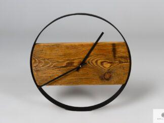 Wanduhr aus Holz mit schwarzer Stahlring