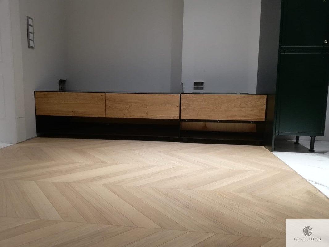 TV Schrank mit Schubladen aus Massivholz und Stahl ins Wohnzimmer