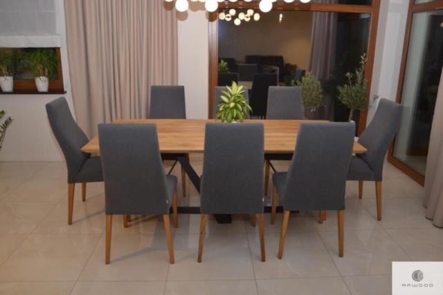 Tisch aus Eichenholz auf Metallbeine ins Esszimmer BORNEO