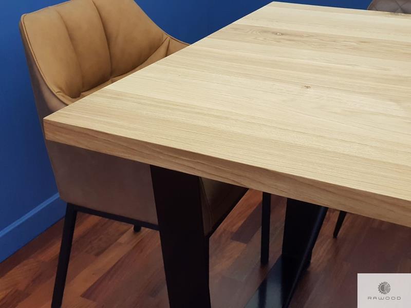 Massiv Tisch mit Tischplatte aus Eichenholz auf Metallbeine VICTORIA